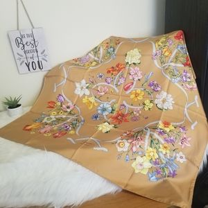 NWT Authentic Gucci floral scarf